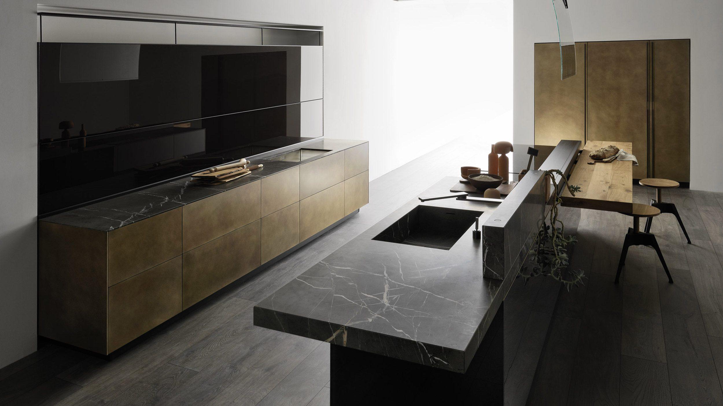 Küche Artematica von Valcucine mit geschlossener Front