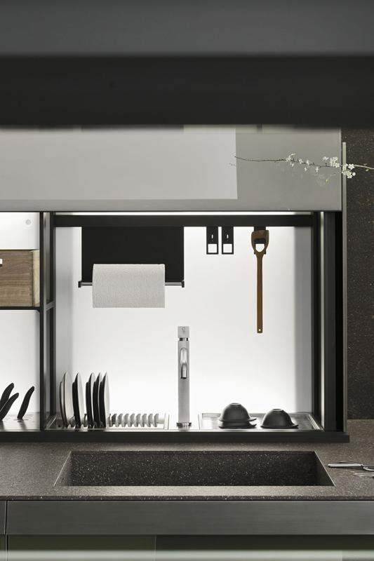 Küche Artematica von Valcucine mit offener Rückwand