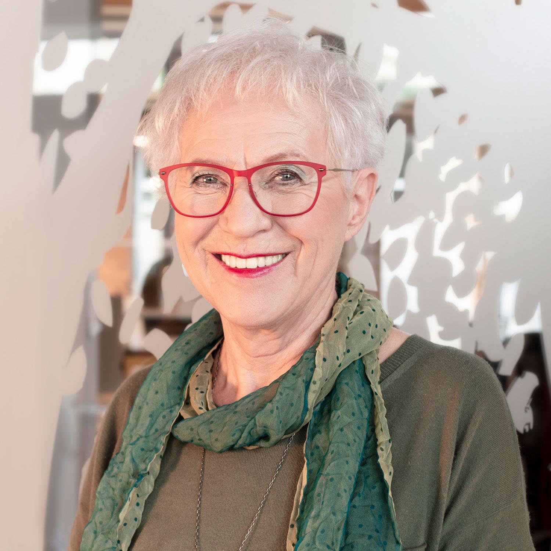 Porträtaufnahme von Irmgard Silberbaur, Geschäftsführerin